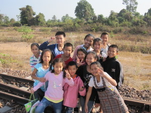 Kids_together_on_the_railway